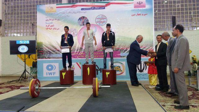 کسب یک مدال نقره و دو مدال برنز توسط سجاد سلمانیان در مسابقات وزنهبرداری نوجوانان کشور