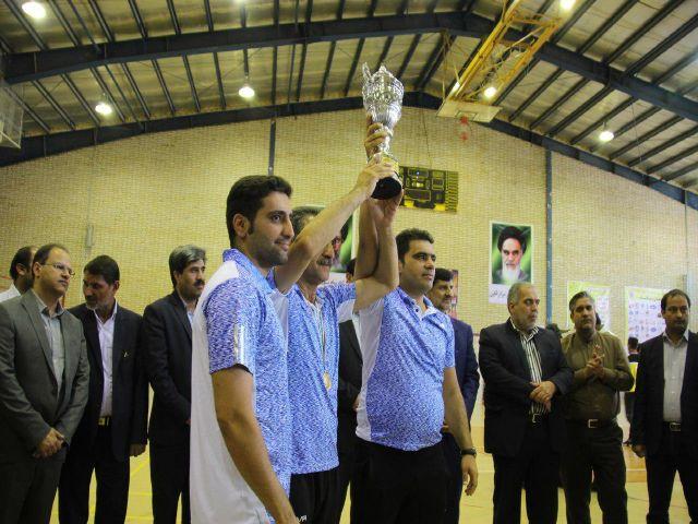 00000 067 - قهرمانی تیم هندبال فلاورجان در رقابت های هندبال جوانان کشور/فلاورجان مهد هندبال ایران