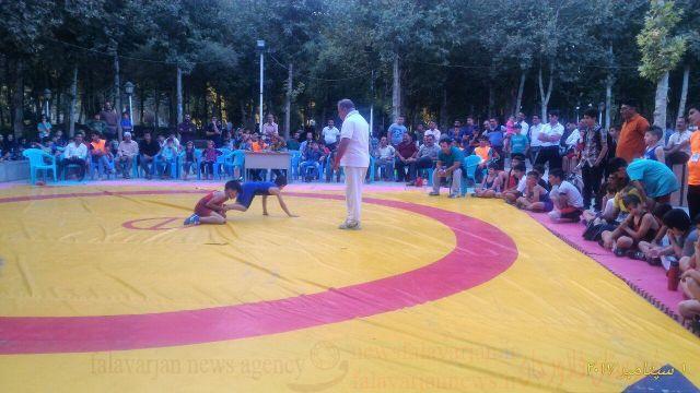 جمعه های ورزشی در شهرستان فلاورجان /برگزاریمسابقات کشتی خردسالان ونونهالان