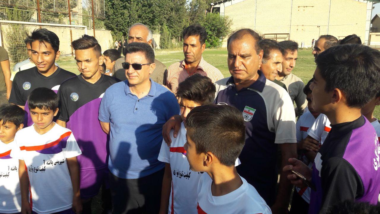 حضور امیر قلعه نویی در مدرسه فوتبال ستارگان زنده رود فلاورجان