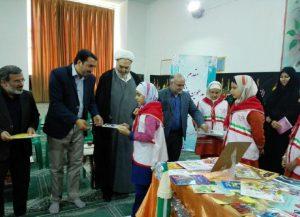 30719085500 307 300x217 - گزارش تصویری: مراسم افتتاحیه نمایشگاه کتاب در مدرسه سید مرتضی پیربکران