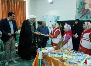 30819085500 308 300x217 - گزارش تصویری: مراسم افتتاحیه نمایشگاه کتاب در مدرسه سید مرتضی پیربکران