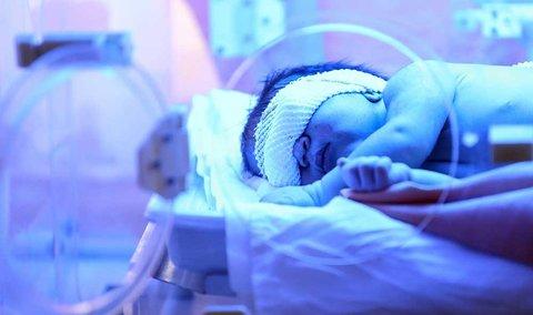 نوزاد رها شده  در  بستر رودخانه زاینده رود(روستای هویه) تحویل بهزیستی شد