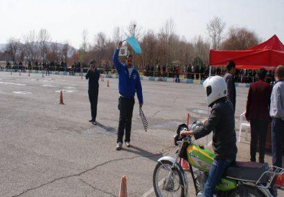مسابقه اسلالوم موتورسیکلت قهرمانی استان اصفهان +تصاویر