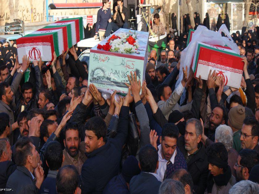 استقبال بی نظیر مردم قهدریجان از شهدای گمنام
