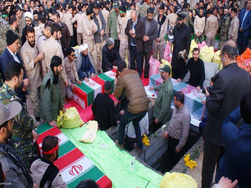 تشییع وتدفین  پیکر مطهر ۳ شهید گمنام در قهدریجان /گزارش تصویری۲
