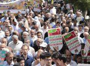مردم شهرستان فلاورجان در حمایت از اقتدار و امنیت کشور راهپیمایی میکنند