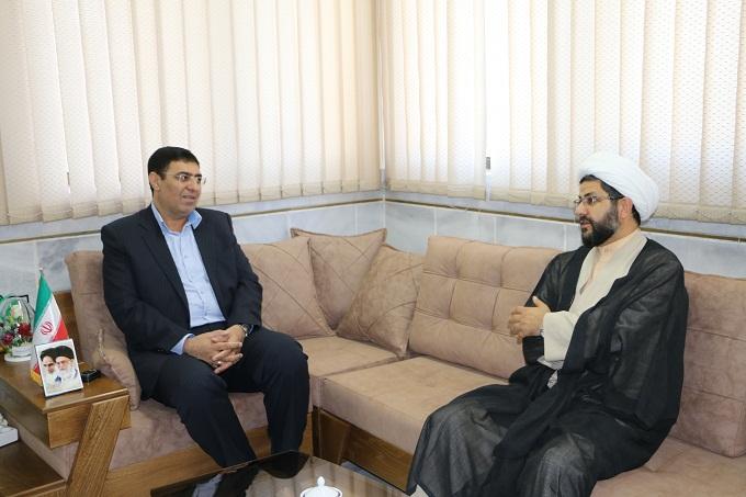 تعدادی ازمدیران و روسای ادارات شهرستان فلاورجان  باعلی ساعدی سرپرست فرمانداری فلاورجان دیدار کردند.