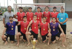 هندبالیست های فلاورجانی برای دومین سال متوالی قهرمان کشورشدند/شهرستان فلاورجان مهد هندبال کشور