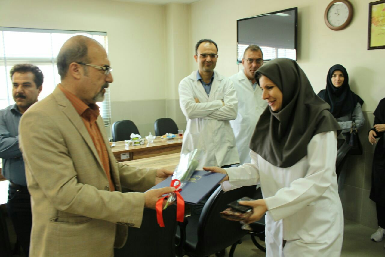 تجلیل از پزشکان  وکارمندان بیمارستان امام خمینی (ره)فلاورجان +تصاویر