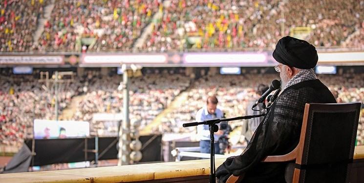 بیانات رهبر معظم انقلاب در همایش دهها هزار نفری «خدمت بسیجیان» در ورزشگاه آزادی