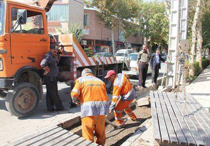 آغاز عملیات لایروبی کانالها و آبروهای سطح شهر فلاورجان
