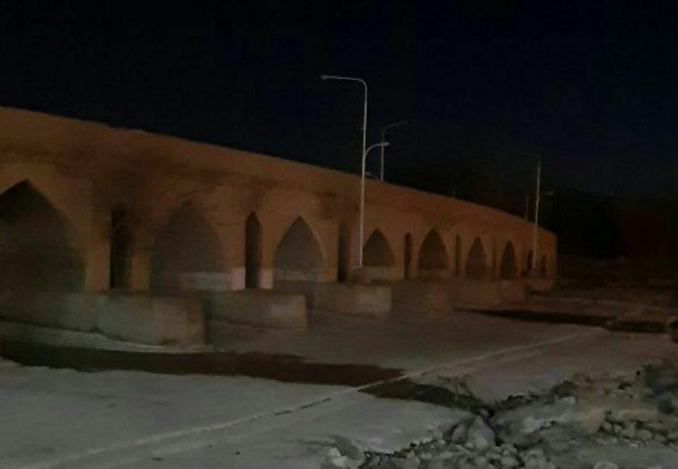 روانآبهای هدایت شده به زایندهرود به پل بابا محمود رسید