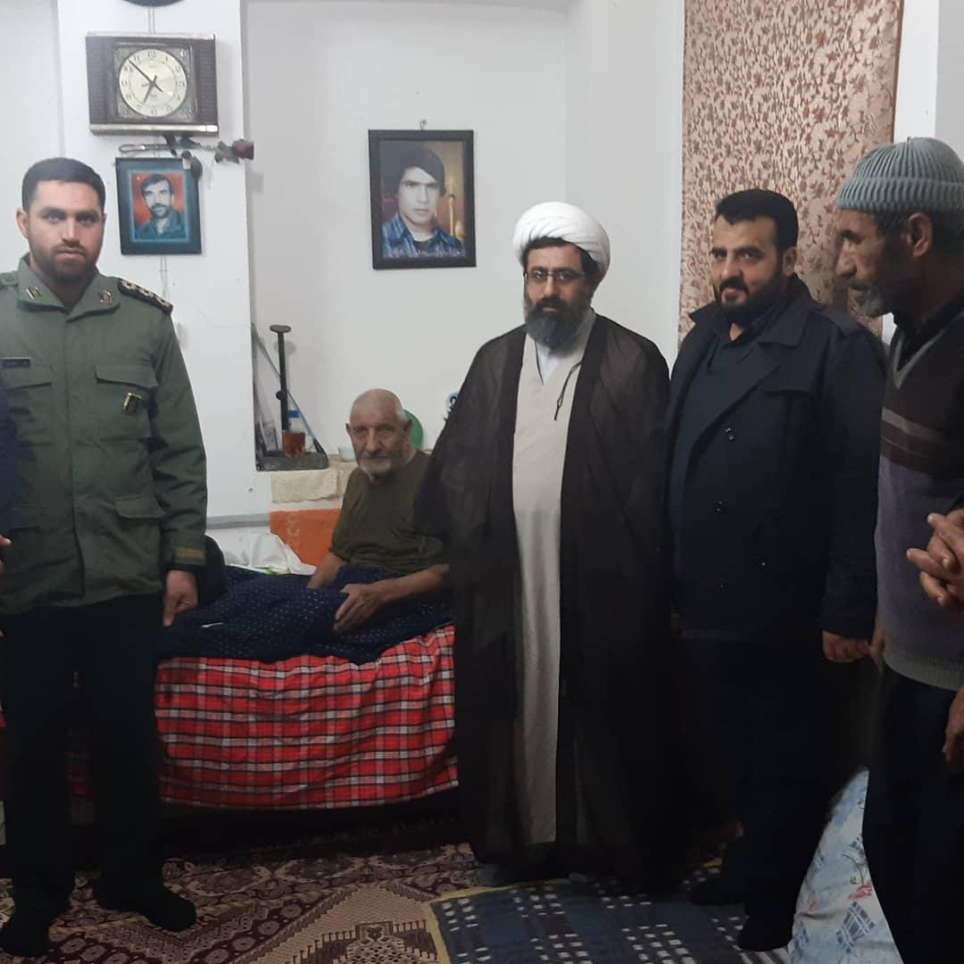 مسئولان شهر بهاران با خانواده ۳ شهید دیدار کردند