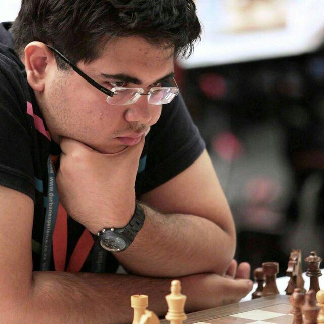 رقابت  سیمولتانه شطرنج با حضور استاد بین المللی در فلاورجان برگزار میشود.