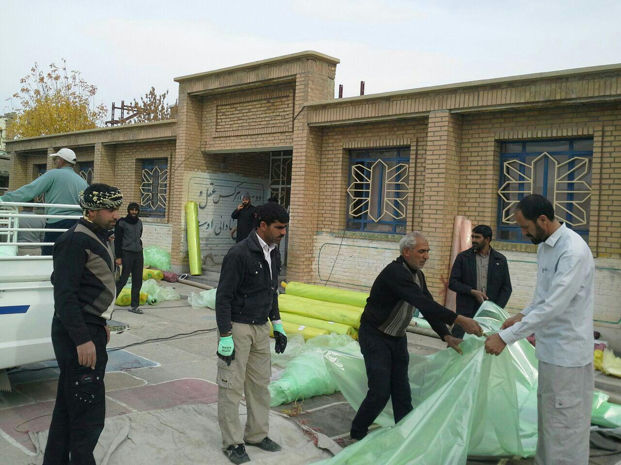 پوشش گلخانه های شهرابریشم  عایق چادرهای مناطق زلزله زده کرمانشاه شد