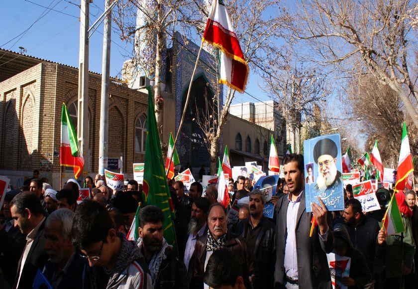 فریاد خشم مردم شهرستان فلاورجان بر سر فتنه گران در۱۴ دی/ تصاویر