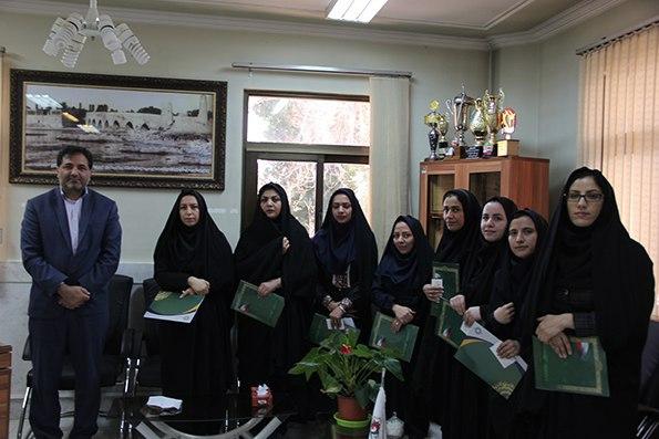 مراسم تجلیل از کارمندان زن شهرداری فلاورجان  به مناسبت روز زن