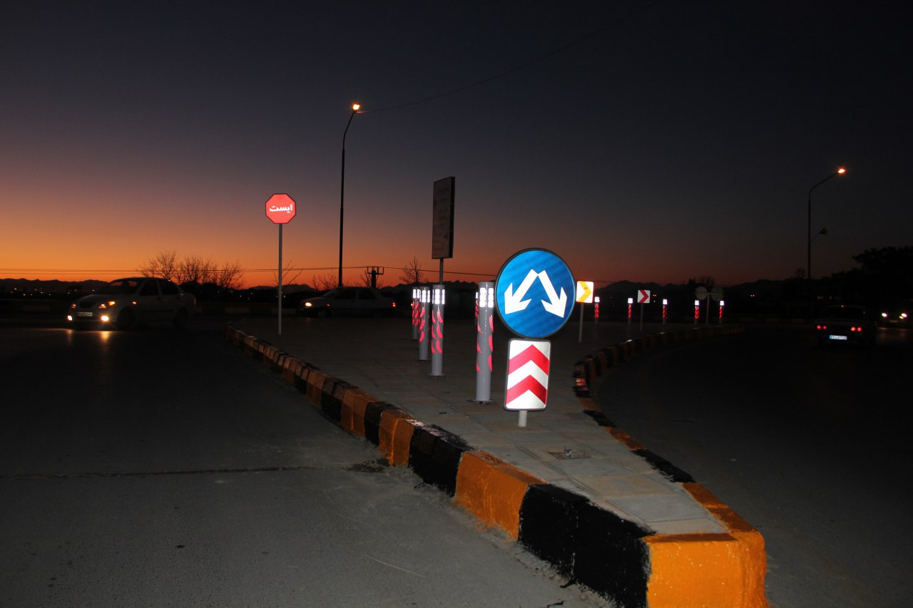 تامین روشنایی چهار ضلع ورودی وخروجی در پل هوایی فلاورجان – گارماسه