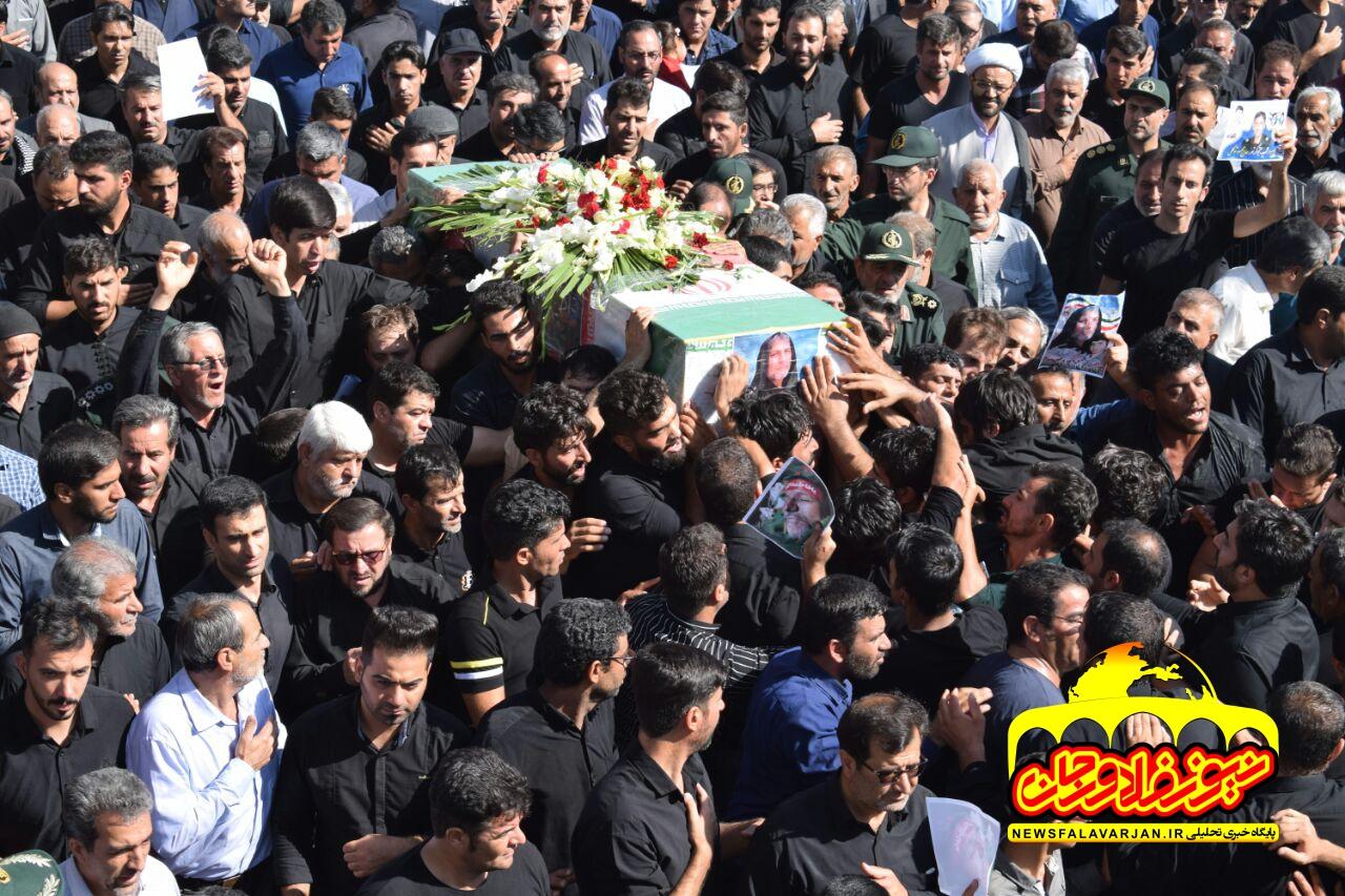 عکس /تشییع وخاکسپاری سردار شهید محمود توکلی در شهرستان شهدای خط شکن