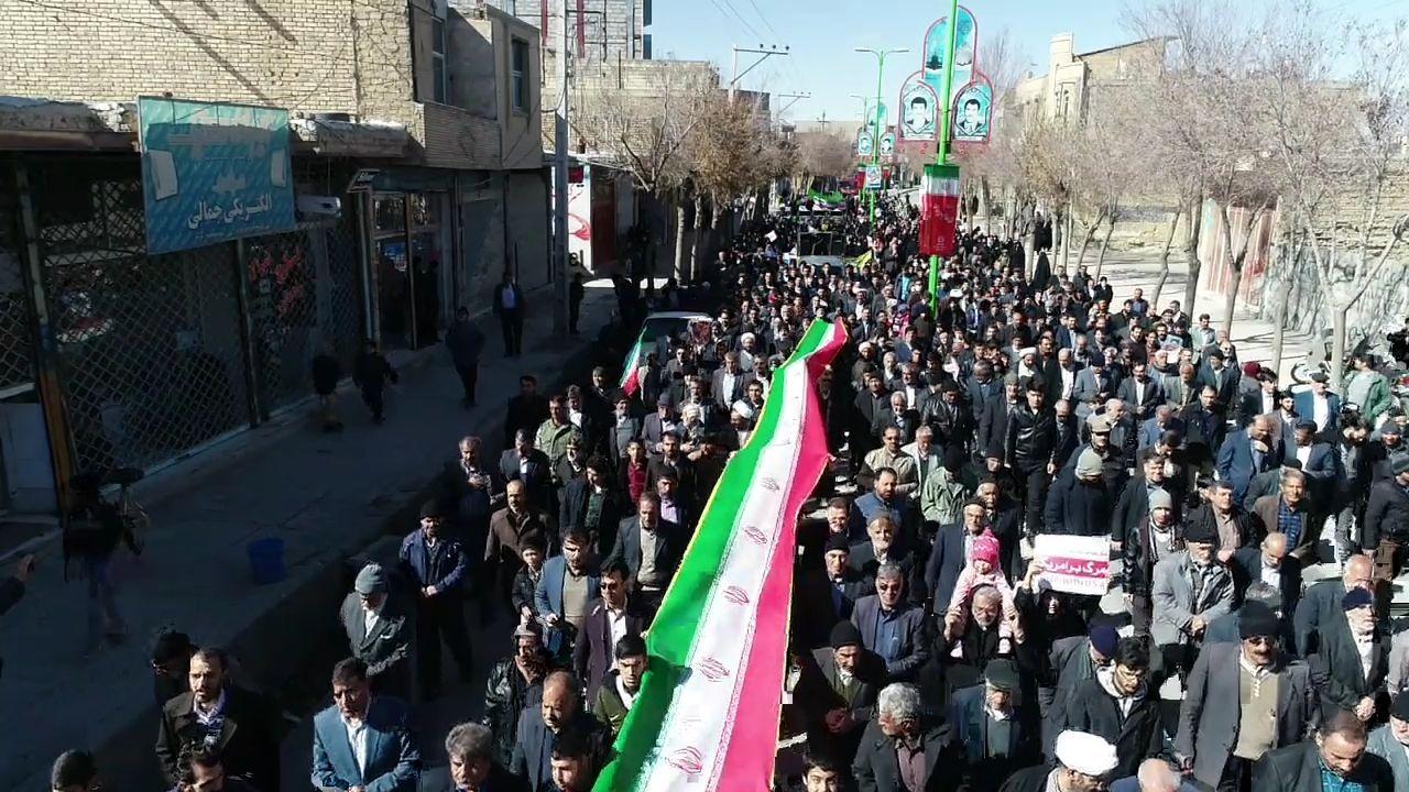 تصاویر| خروش مردم قهدریجان در راهپیمایی ۲۲ بهمن